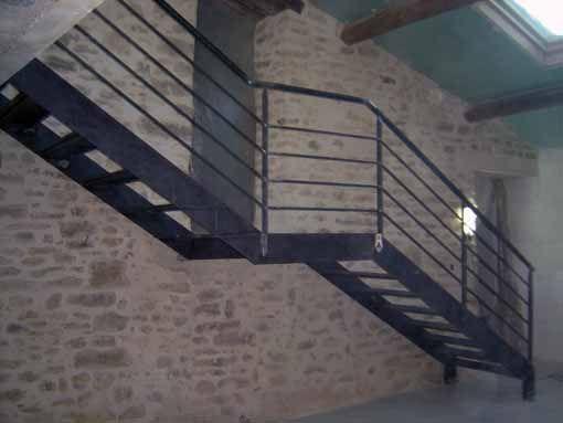 escalier avec palier intermediaire et garde corps. Black Bedroom Furniture Sets. Home Design Ideas